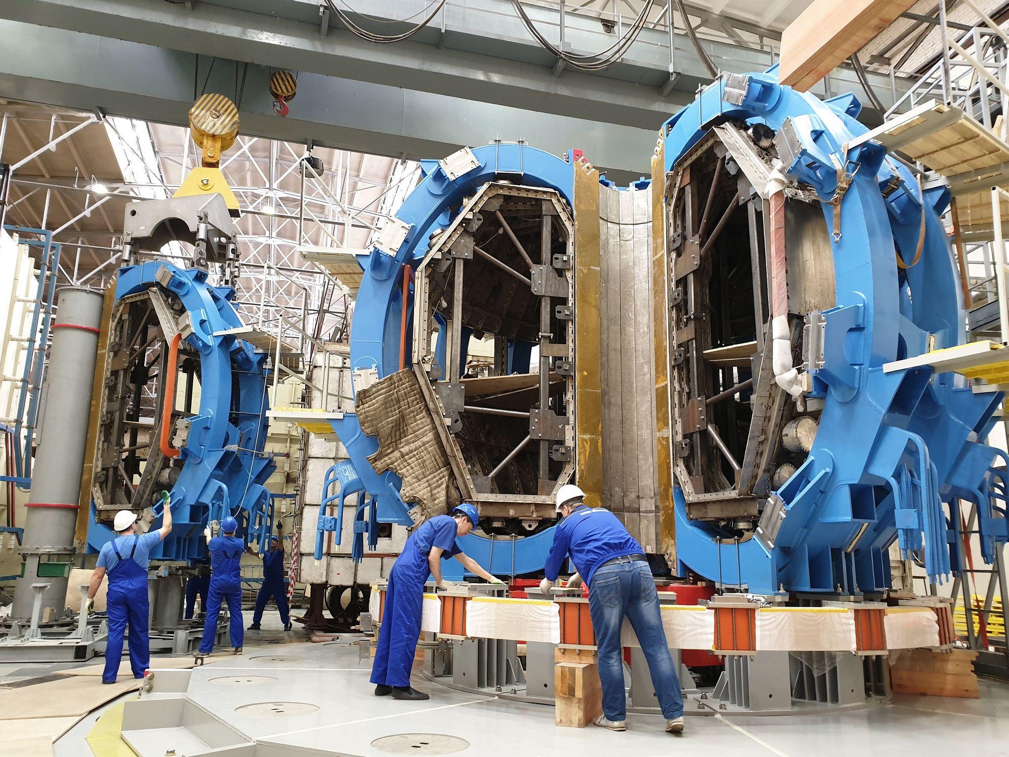 Мощнейшую термоядерную установку запустят в России
