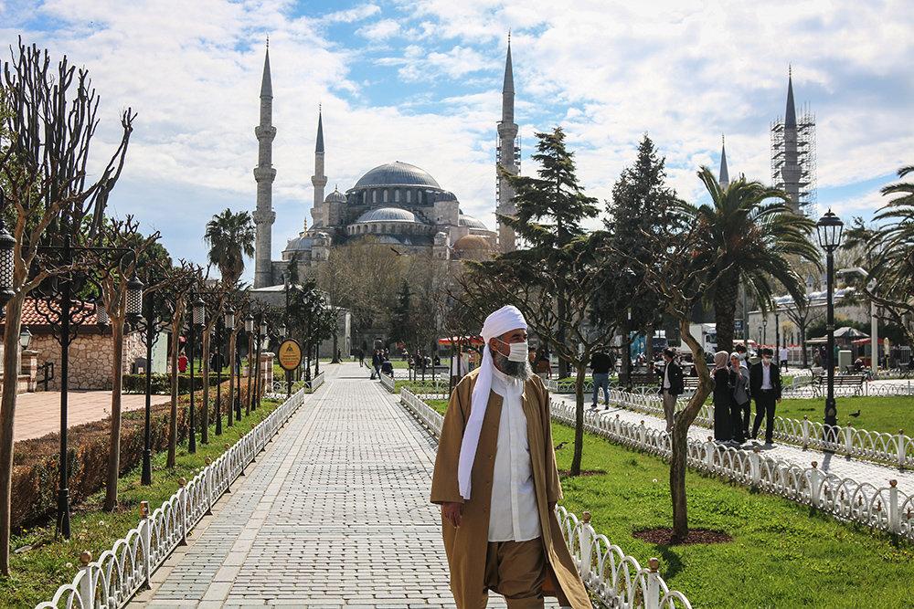 В Турции объявили полный локдаун на три дня