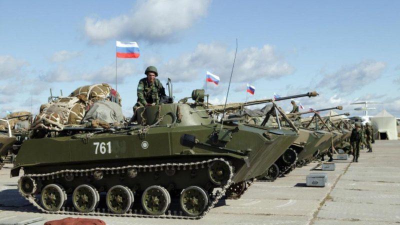 Масштабные военные учения начались в Крыму
