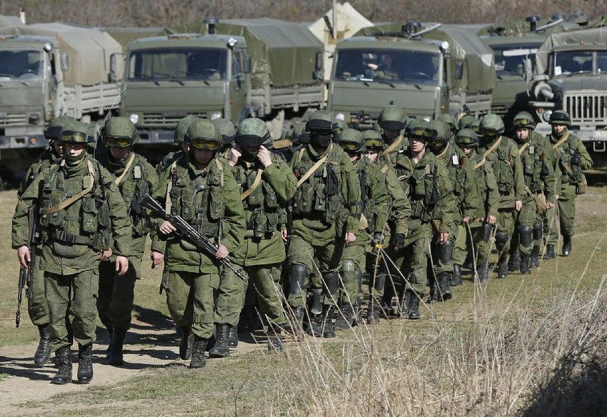 Передвижение российских войск снова прокомментировали в Кремле