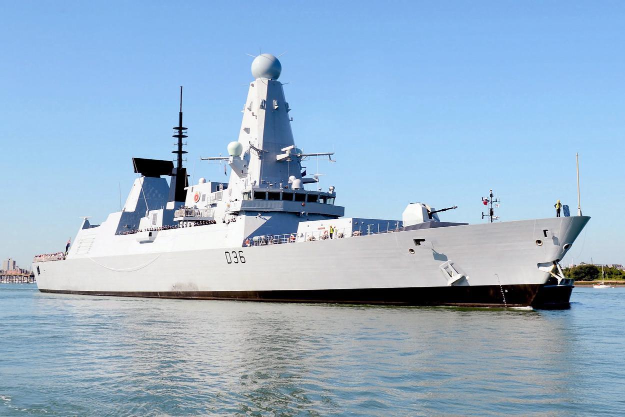 Кремль прокомментировал заходы британских кораблей в «воды Украины»