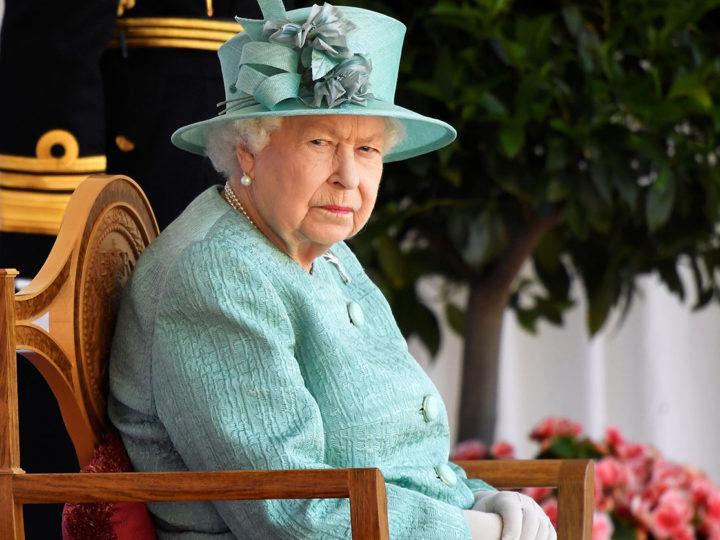 Английская королева решила тайно изменить закон о климате