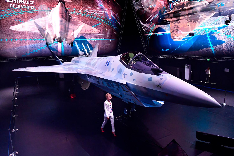 Летчик спрогнозировал ход боя российского Су-75 и американского F-35