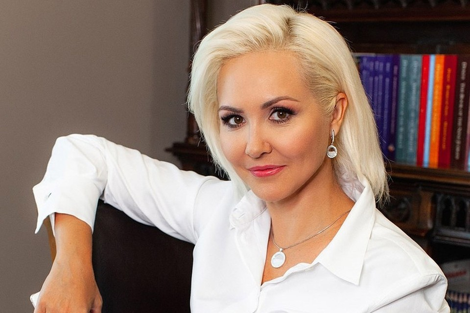 Астролог шоу «Давай поженимся!» Василиса Володина выпустила календарь вакцинации