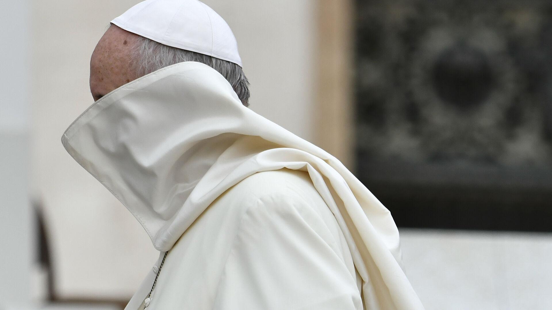 Стало известно о возможном отречении папы Франциска