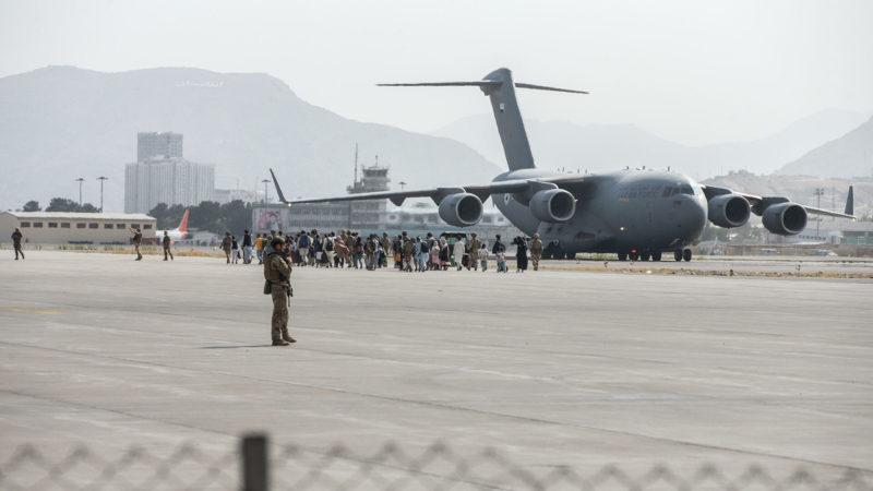 Стало известно количество готовящихся к эвакуации из Кабула россиян
