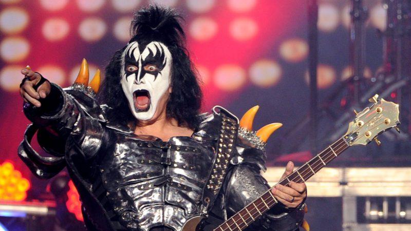 Лидер группы Kiss Джин Симмонс заболел коронавирусом