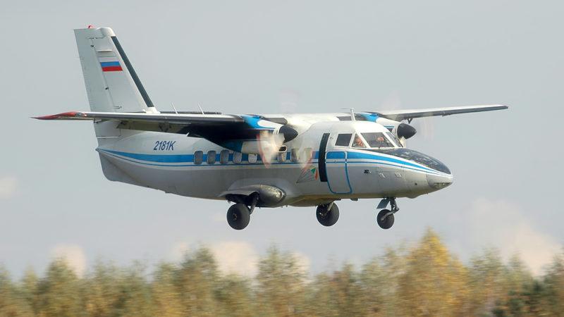 Пассажирский L-410 совершил жесткую посадку в тайге, погибли четверо