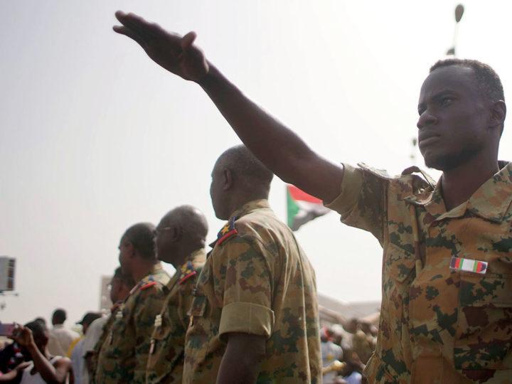 Военный переворот начался в Судане